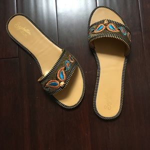 NWOT Seychelles Embroidered Flats